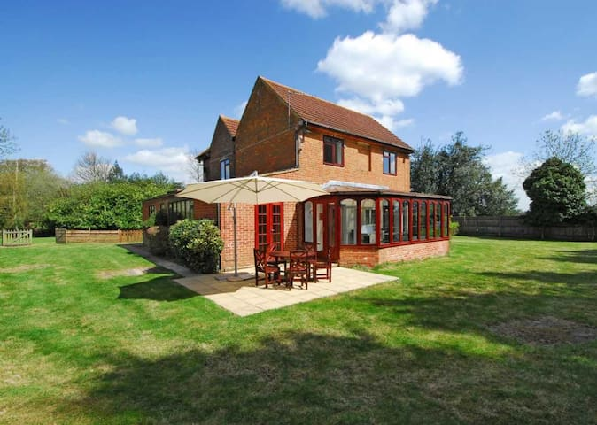 5 Bed Home in Mill Ride Golf Course - Ascot - Hus