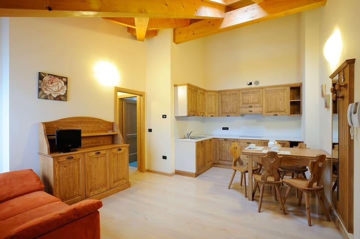 Residenza Casale 4/6 posti letto - Ponte Arche - Lägenhet