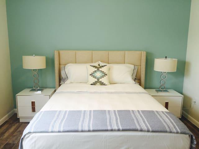 Fabulous Private Bdrm Queen Bed/Shared Bath - Miami - Ház