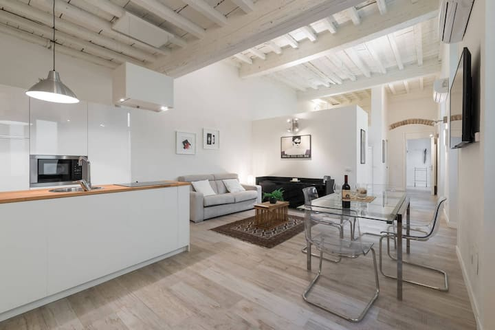 twin apartments joined , core of Florence's center