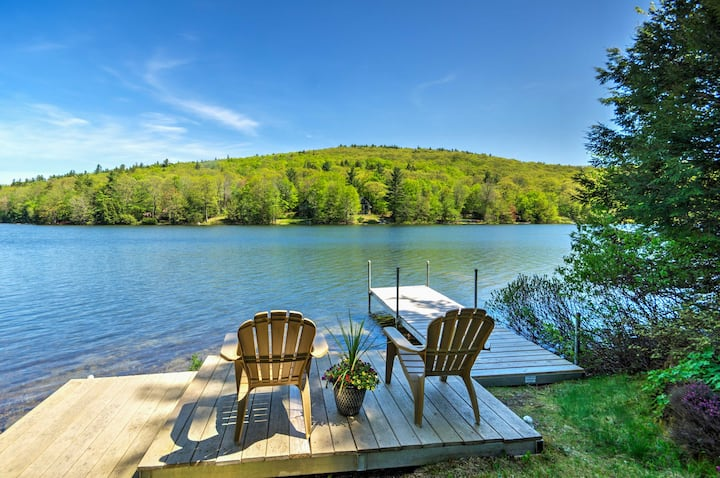 Waterfront Newbury Cottage w/Deck by Lake Sunapee!