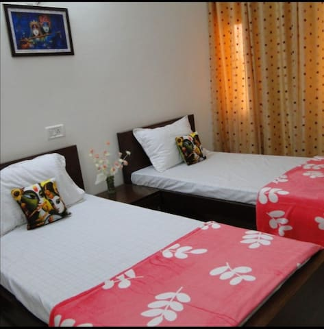 Shared rooms in Agra
