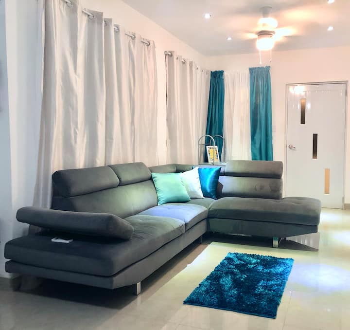 Newly Remodeled 4BR in Trendy Loiza St, near BEACH