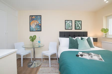 ☀✈☀ Beautiful Private Room - Close to Station ☀ ✈☀