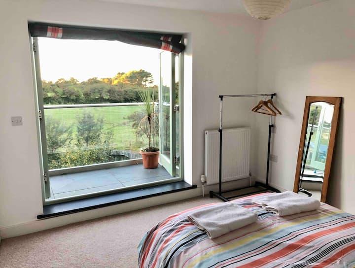 Double en-suite room-private balcony - St Ives