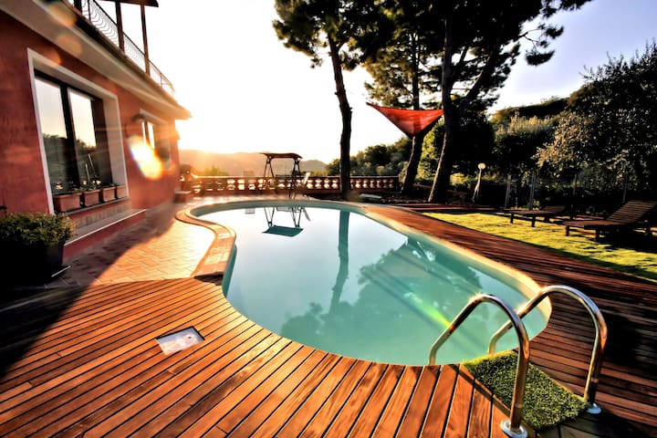 "BEAUTIFUL VILLA ""AGATA"" WITH POOL - Imperia"