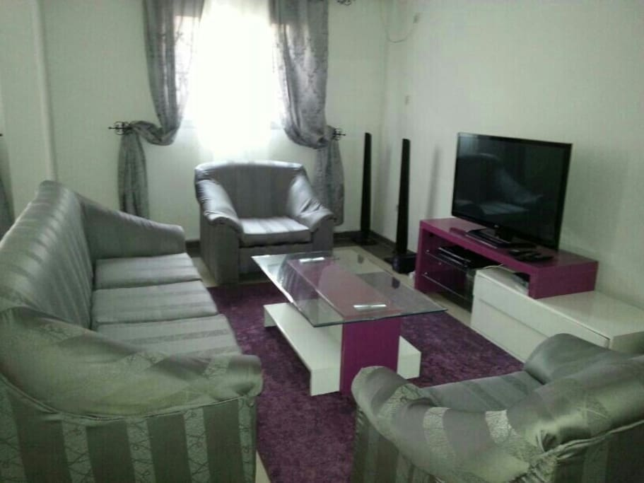 Appartement meubl bonanjo appartements louer douala for Appartement meuble douala