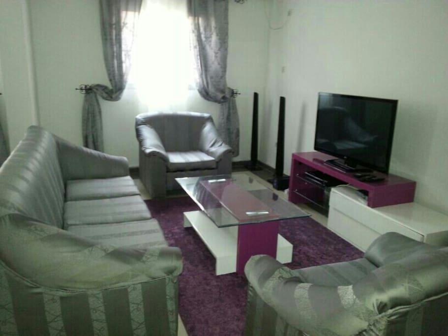 Appartement meubl bonanjo appartements louer douala for Appartement meuble a louer a douala cameroun