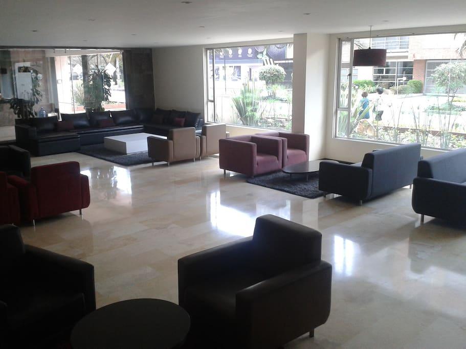 LOBBY TIPO HOTEL INCLUIDO