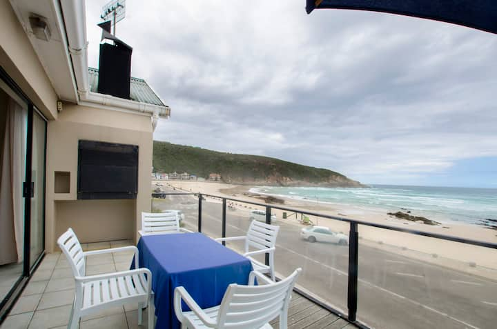 Herolds Bay Accommodation - Hiers Ons Weer Bo