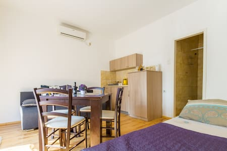 Belane Studio Apartment number 3 in Modern Area