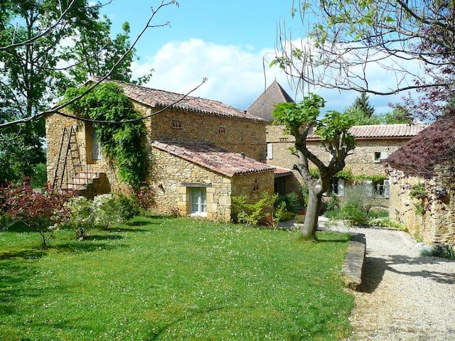 Appart' avec jardin près de Sarlat Périgord Noir