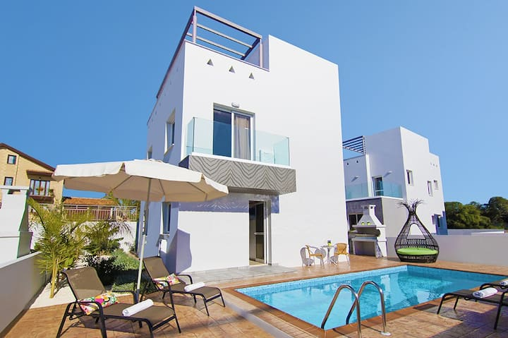 EDEN-villa in center of AyiaNapa and Nissi beach