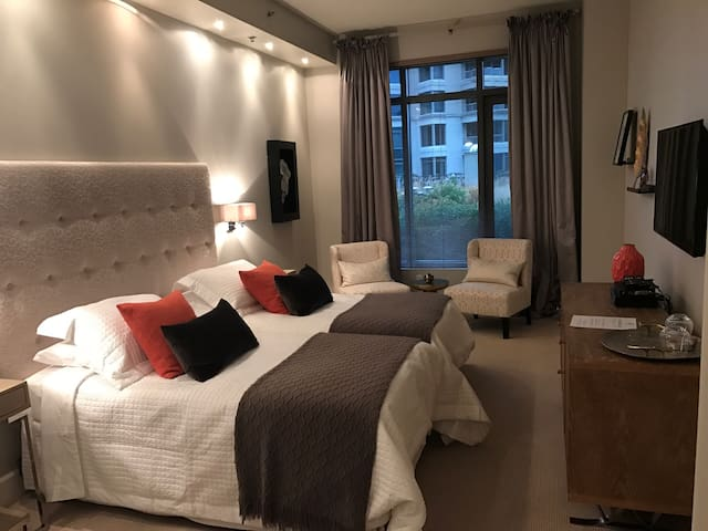 Luxurious Hotel Style Room - Montreal - Apto. en complejo residencial