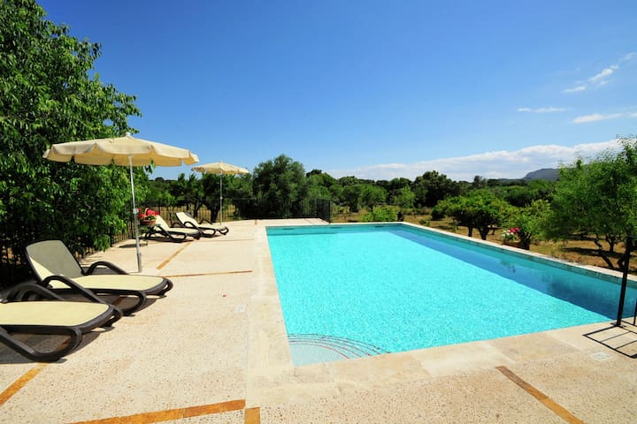 Vintage Holiday Home in Buger with large Private Pool total privacy