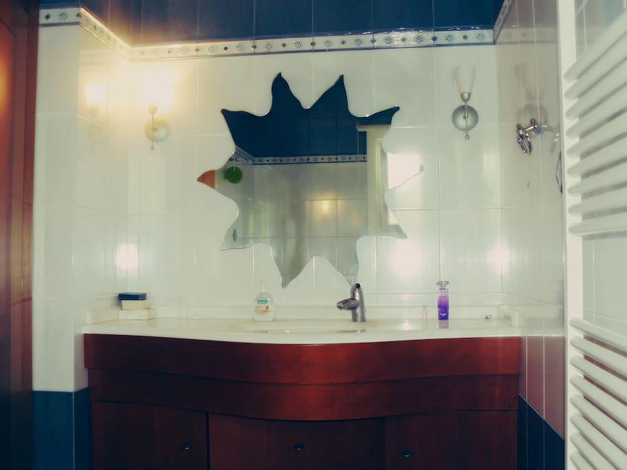 Bathroom (I)