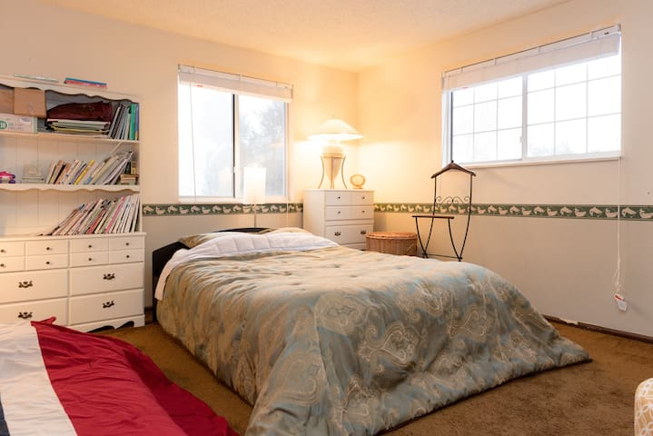 Cozy and Comfy Like Your Home In A great Location - Centennial - Hus