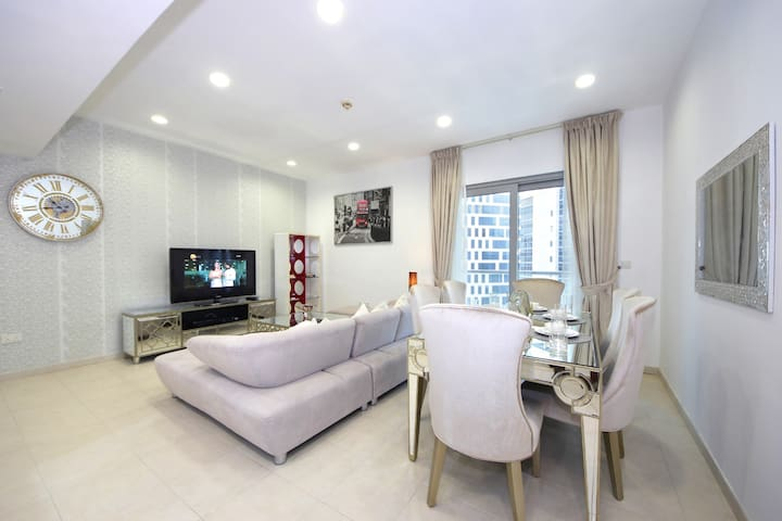 Historical High End 2BR unit in Executive Tower