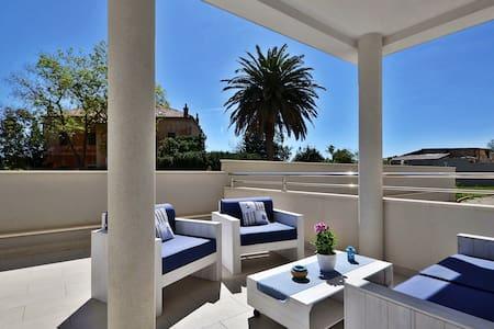 AMAZING Beach&Terrace&Seaview Luxury Apartment - สปริต - อพาร์ทเมนท์