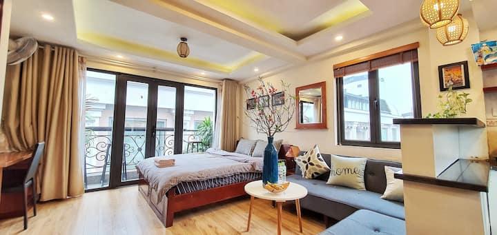 Explore Hanoi Old Quarter⭐Large Balcony&Lift⭐Peace