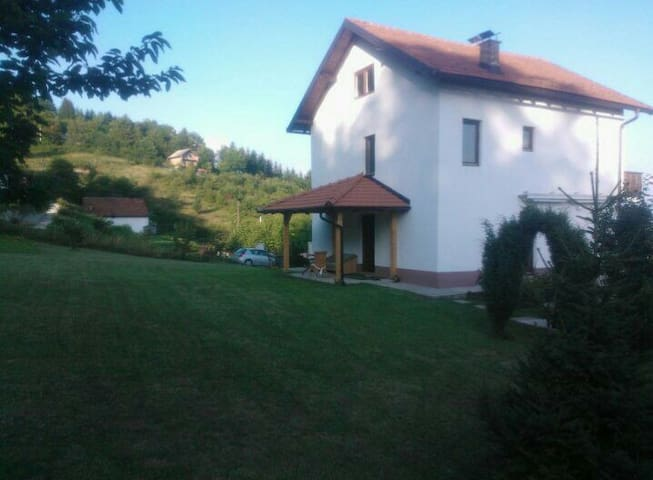 House near Sarajevo for all family or friends - Sarajewo - Dom