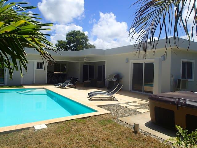 Lovely Holiday Room/Bath in Villa - Sosúa - Villa