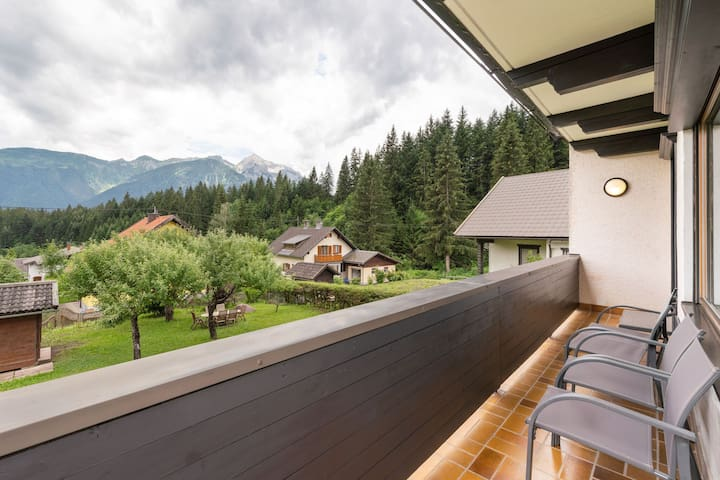 Beautiful Mansion in Kotschach-Mauthen with Garden