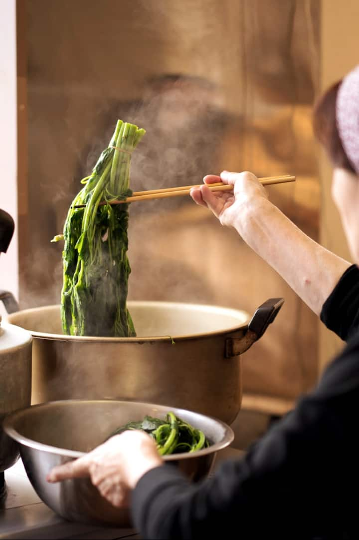 Learn how to prepare the vegetables.