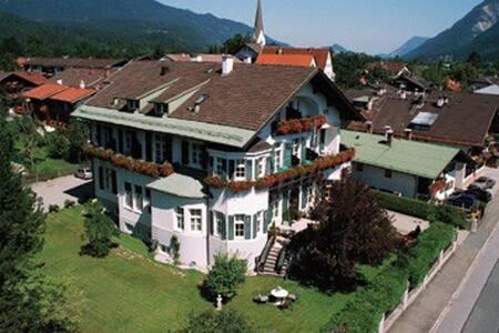 Hotel Aschenbrenner - Garmisch-Partenkirchen