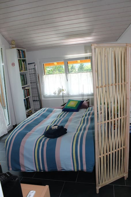 Bett in Aufenthalts-und Frühstücks Zimmer