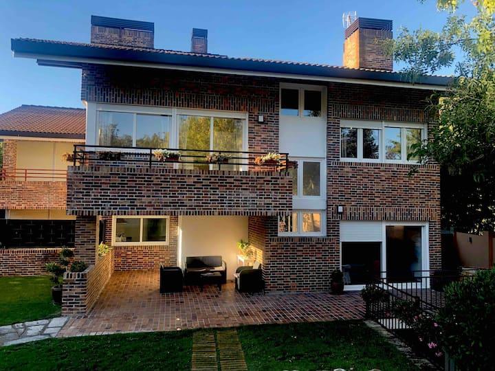 """""""Casa VillaCerrada"""" en Navacerrada #"""