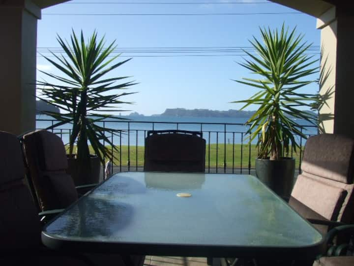 HITIDE Bed &  Breakfast- Beachfront