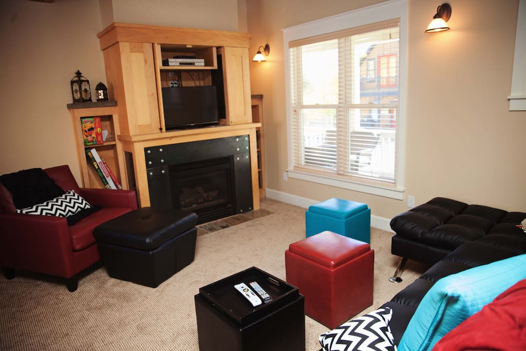 Great Built in with TV and Fireplace