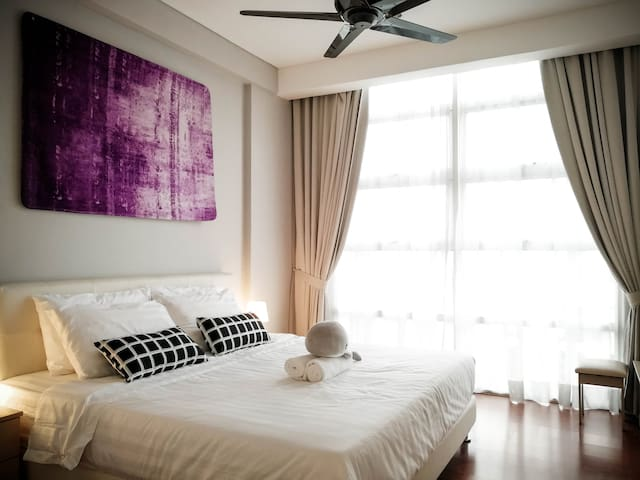 New 5Pax Apartment KL City -1 mins to Prince Court