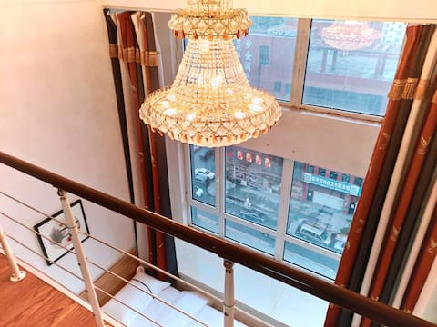 Oriental Plaza Yingjia Lofo Apartment/Near subway station/Eurasia Marriott Mall/Changchun Guanghua College (3 queen bed rooms)