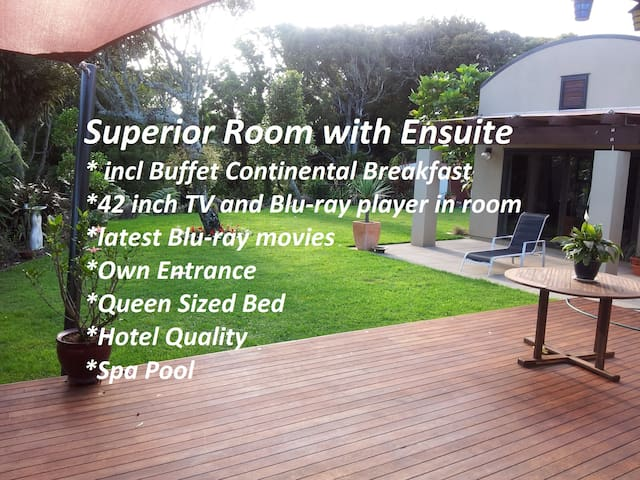 SUPERIOR EN-SUITE  B&B on Heta with Spa - New Plymouth - Bed & Breakfast