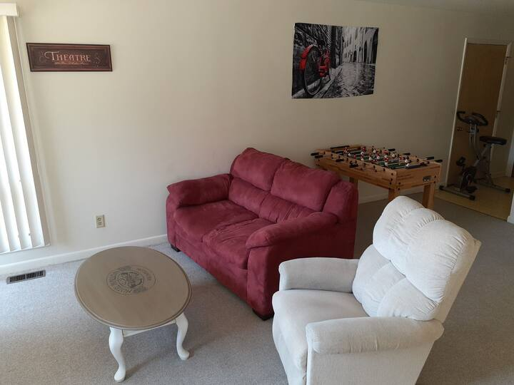 Love & Amor - 2Beds/1Bath near I-94 ❤