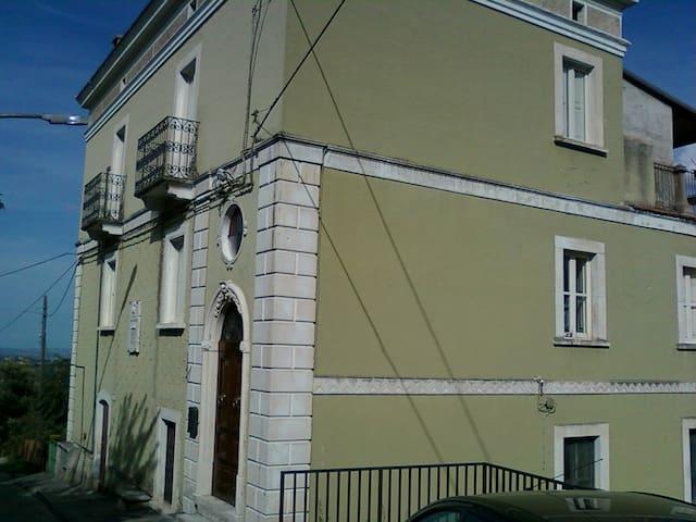 NEL VERDE DEL PARCO DELLA MAIELLA - Abbateggio - Casa