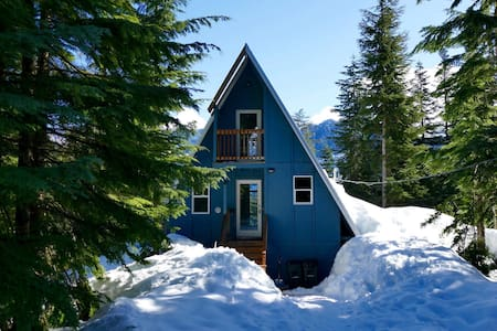 Summit at Snoqualmie A-frame Cabin - SNOQUALMIE PASS - 独立屋