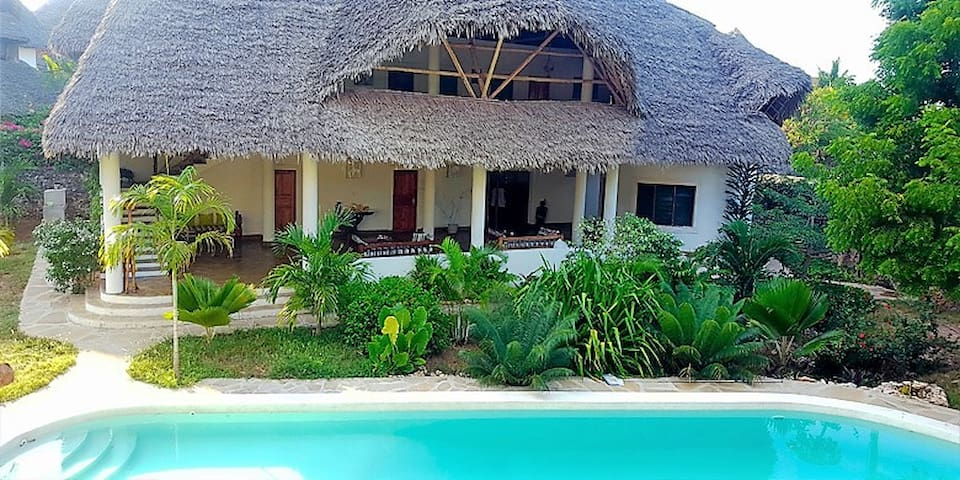 Simba House Watamu B&B