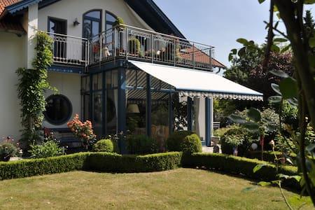 Ruhig, zentr. gelegene Gästewohnung - Buxtehude - Daire