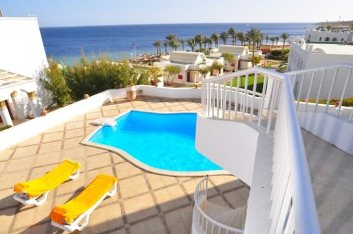 Amazing Villa with Pool & Jacuzzi
