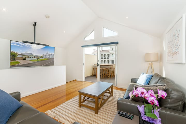 Beach Belle - Queenscliff's Newest Holiday Retreat