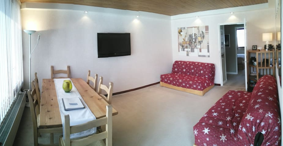 Ski Bedroom (Max 4) in Courchevel Moriond 1650