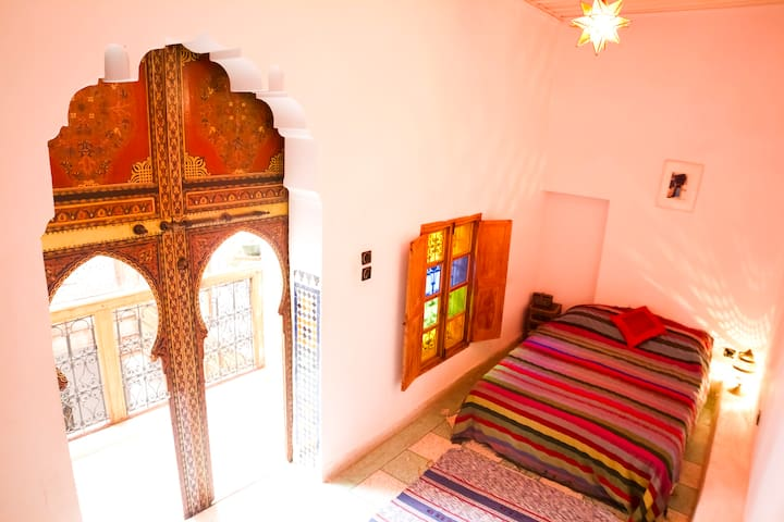 The Red Room, Dar Rbab, Fes Medina - Fes - House