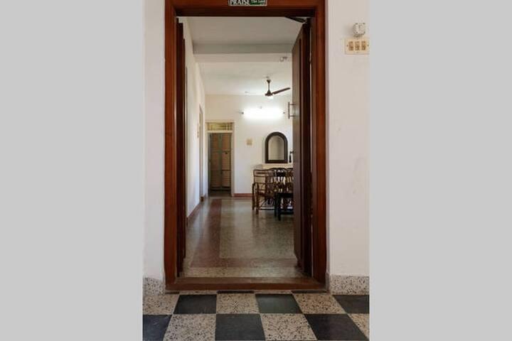 Maison Raja, Double Bedroom Service Apartments