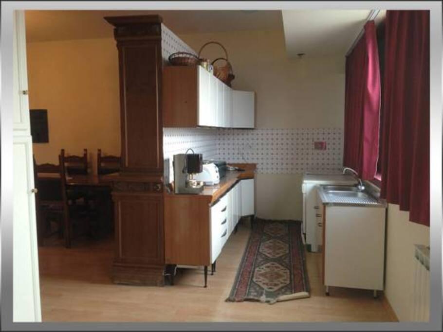 Zona cottura Cucina e Frigo