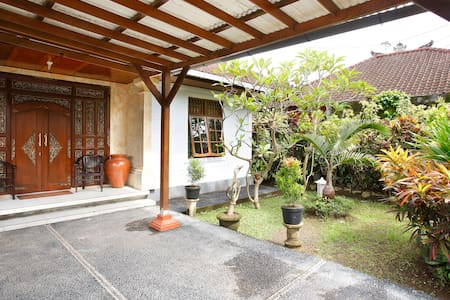 TRADITIONAL 3 BEDROOM BALINESE VILLA SURROUNDED BY BEAUTIFUL GARDENS JUST WALKING DISTANCE TO ALL AMENITIES IN SANUR.  THE VILLA IS FULLY LOCKABLE AND PRIVATE WITH A UNDERCOVER GARAGE. FULLY SELF CONTAINED WITH GREAT KITCHEN , LOUNGE AND DINING ROOM.