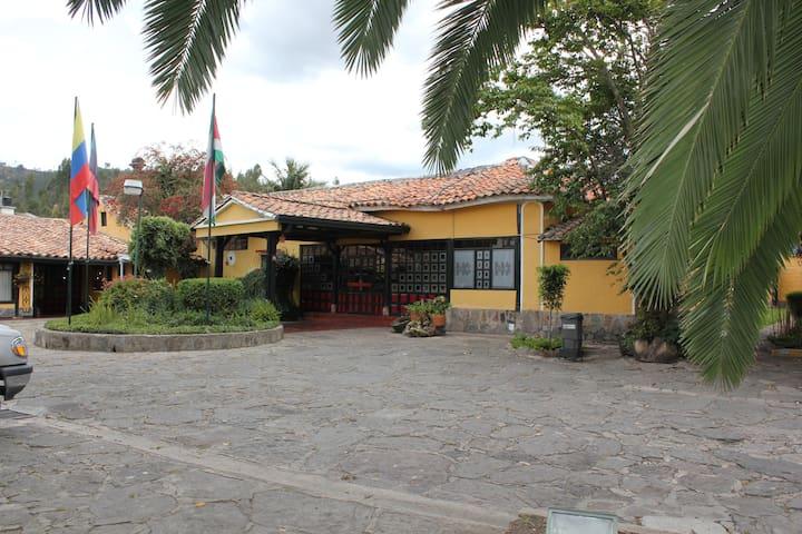 HOTEL HACIENDA EL CARMEN