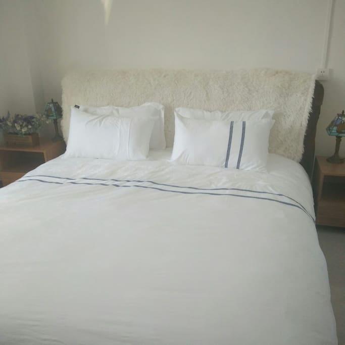 大床房,适合独自一人及蜜月旅行